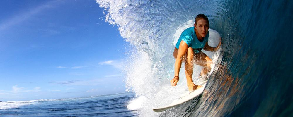 surfer in pipeline